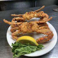 Diamond Shoals Restaurant, Fried Crabs at Seafood Market
