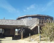2b/1.5 Ba - Cottage - Oceanside With View - Dolphin Realty