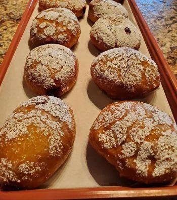 Muffins and Scones, Vanilla Cream Donuts