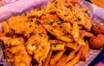Neptune's Kitchen & Dive Bar, Fish n' Chips