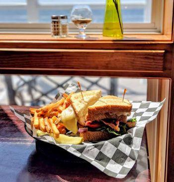 Good Winds Restaurant, Chicken Sandwich