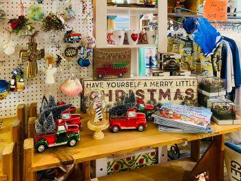 Dillon's Corner, Christmas Ornaments & Decor